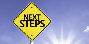 nextsteps_schild_shutterstock_206517967