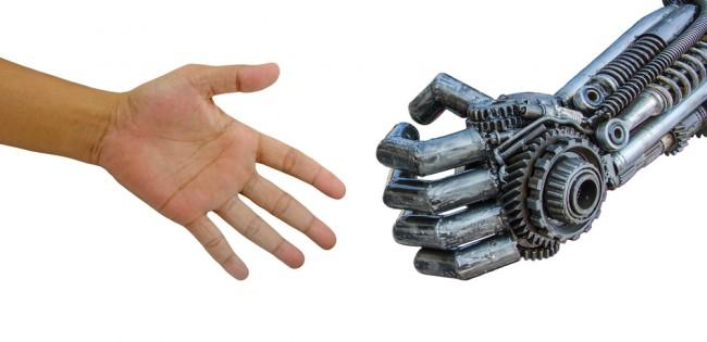 handshake_roboter_mensch_maschine_shutterstock_174548120